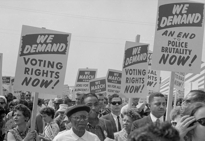 Protestors with signs at the March on Washington 1963